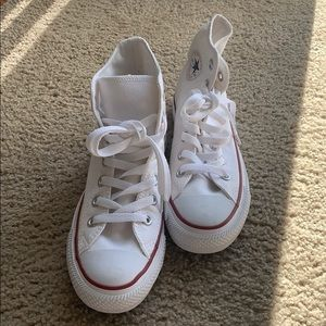 Chuck Taylor hightop white converse sneakers